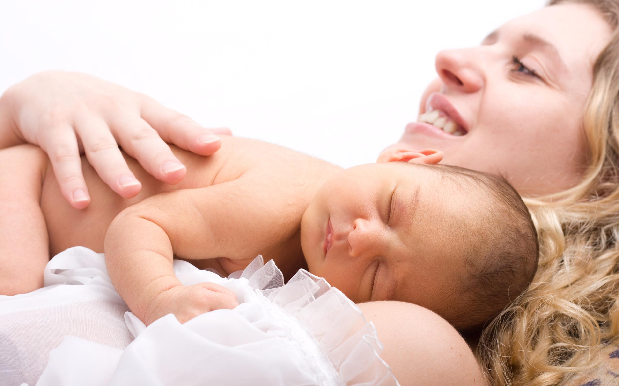 Anne Sütünü Arttırmaya Yönelik 10 Öneri